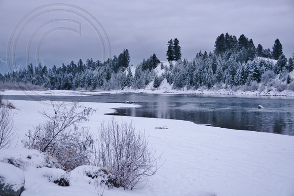 Flathead River-Winter